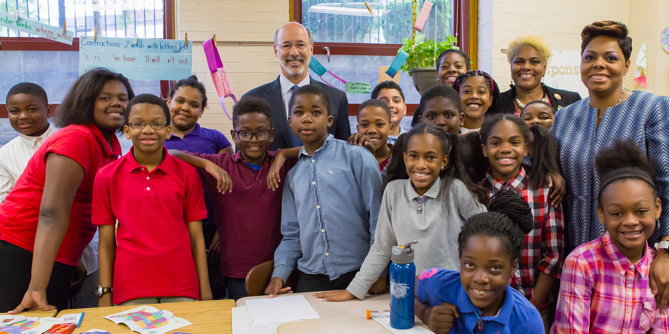 Governor Wolf with Stonehurst Hills Elementary School students