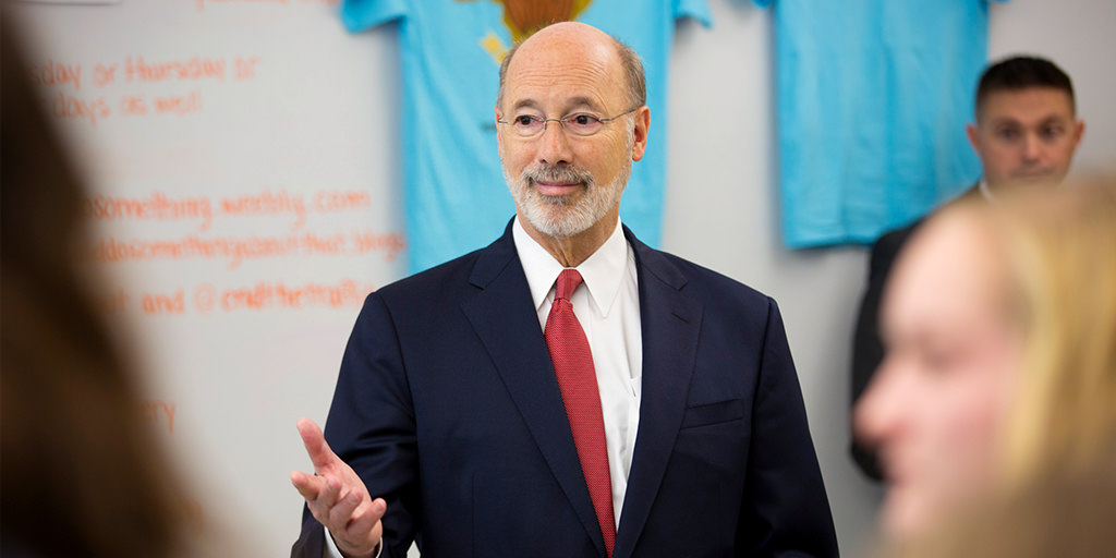 Image of Governor Wolf standing in a classroom