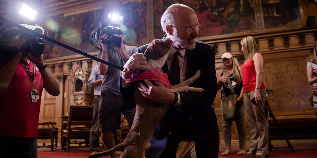 Image of Governor Wolf with Libre
