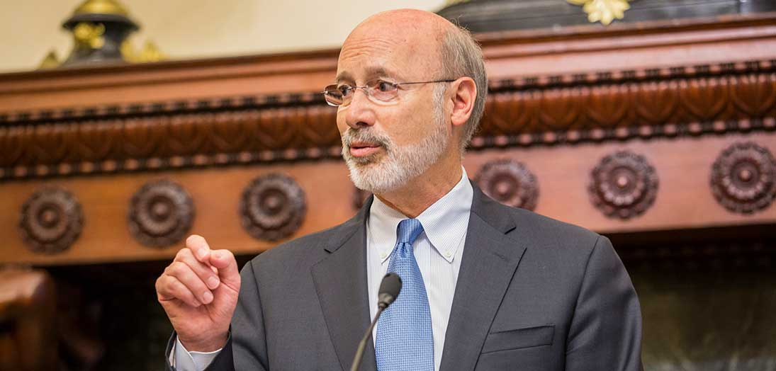 Photo of Governor Wolf at lecturn