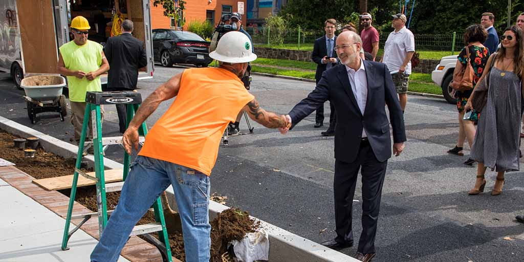 Image of Governor Wolf shaking someone's hand