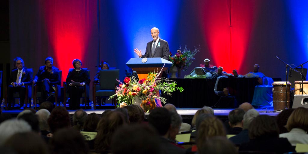 Image of Governor Wolf speaking at awards-arts