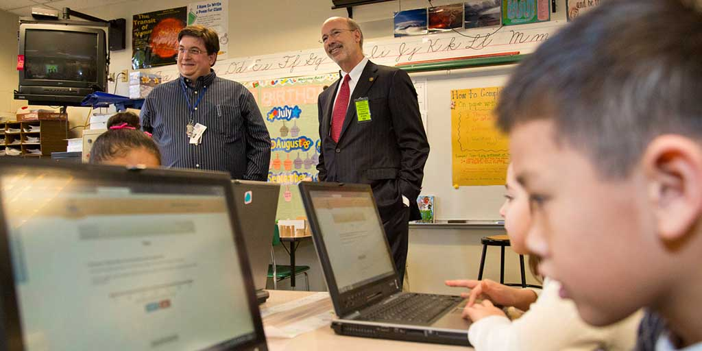 Image of Governor Wolf in a classroom with students