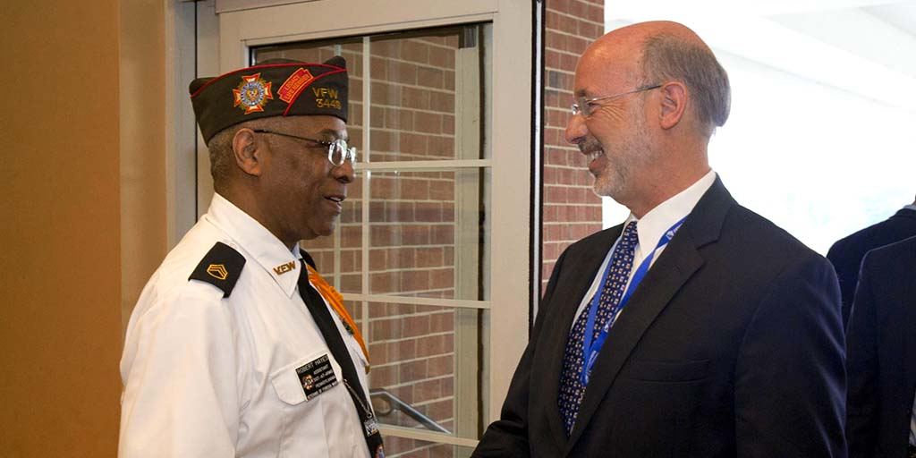 Image of Governor Wolf meeting a veteran