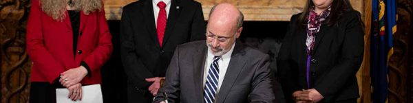 Image of Governor Tom Wolf signing Heroin and Opioid Epidemic Disaster Declaration.