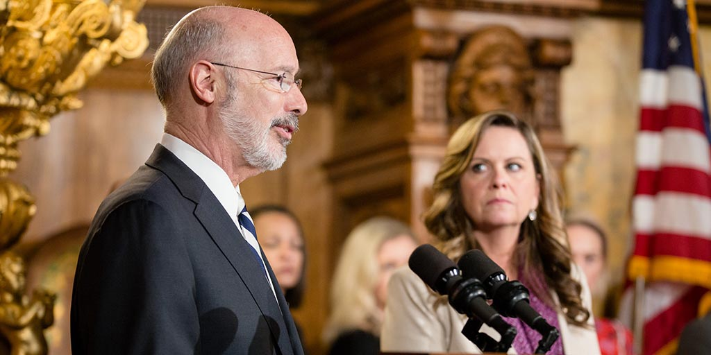 Image of Governor Tom Wolf providing remarks from behind a podium.