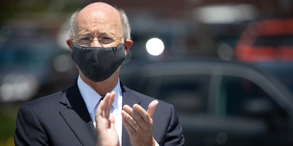 Gov Wolf wearing a mask