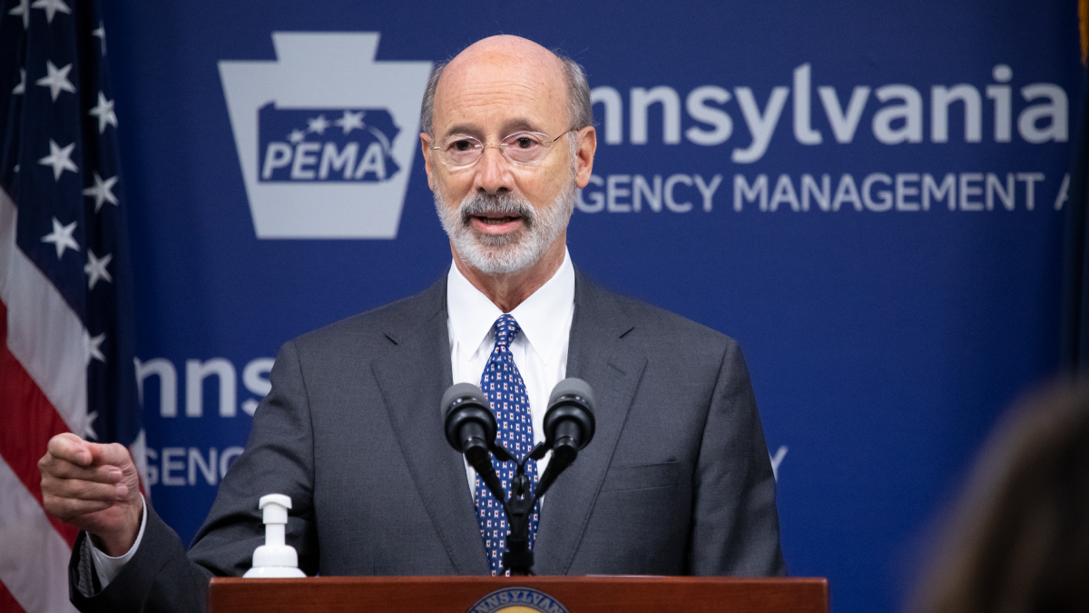 Image of Governor Tom Wolf speaking behind a podium